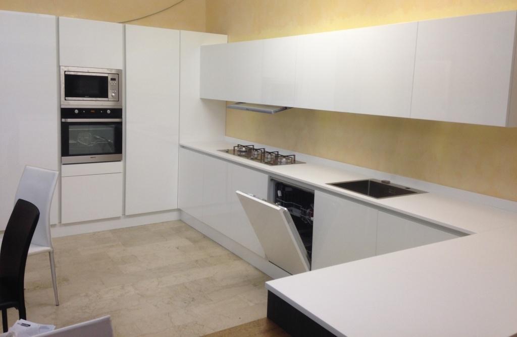 Cucina astra cucine diva sp22 design laccato lucido cucine a prezzi scontati - Astra cucine prezzi ...