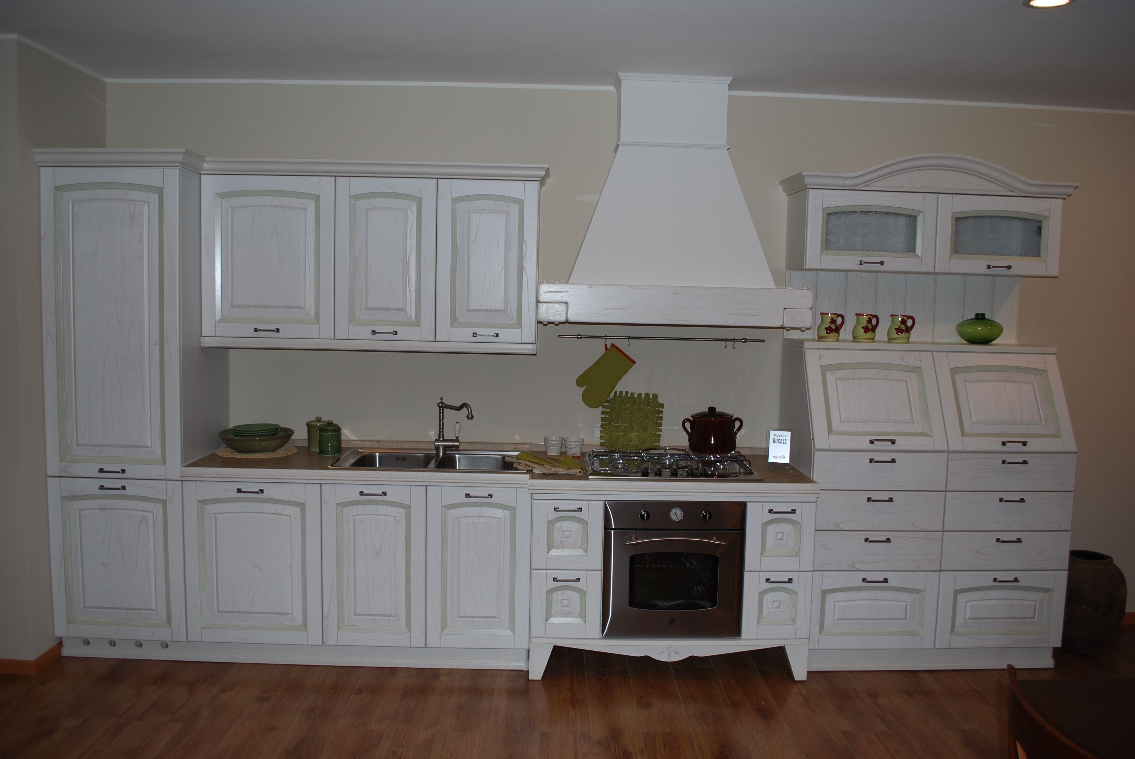 Cucina astra cucine ducale classico legno bianca cucine a prezzi scontati - Cucina color panna ...