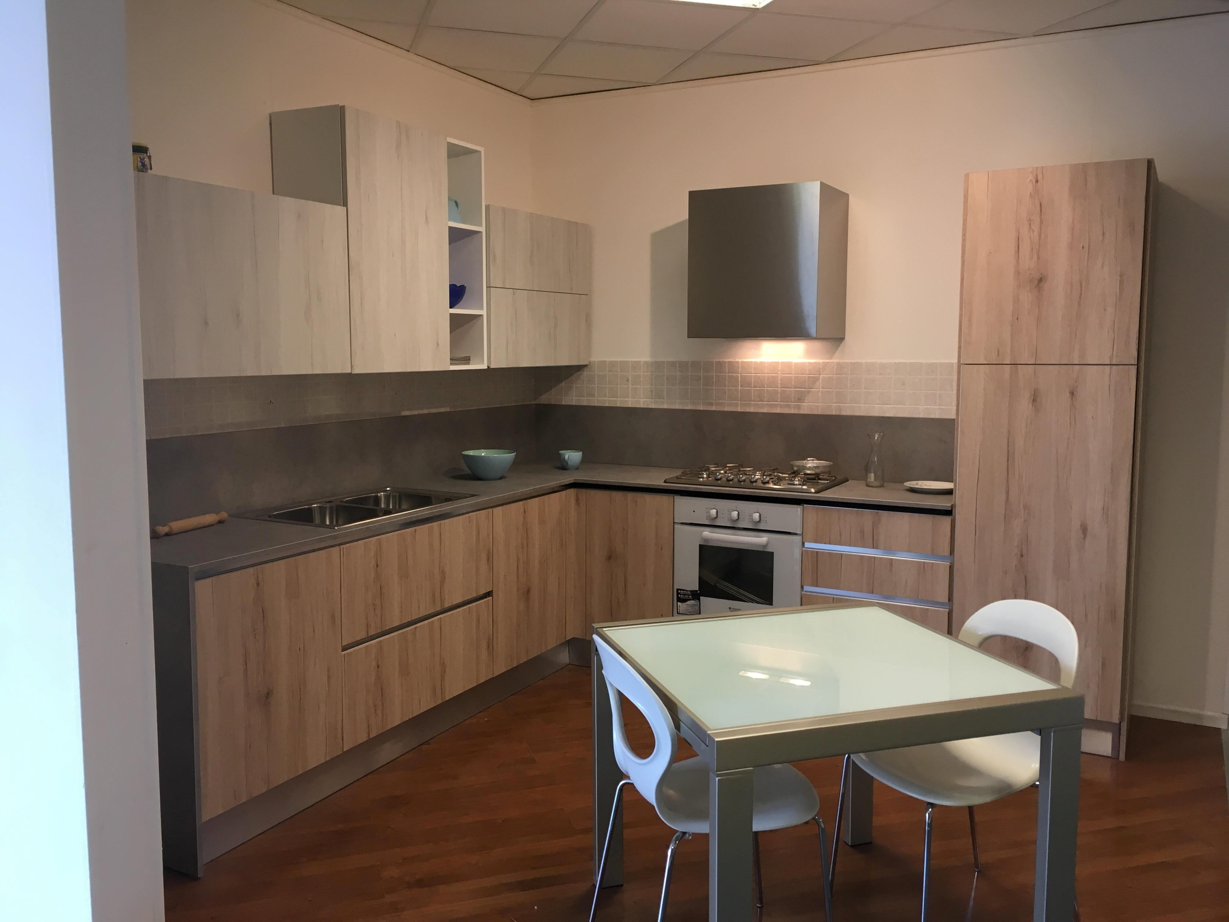 Cucina astra cucine sp22 in offerta cucine a prezzi scontati - Astra cucine prezzi ...