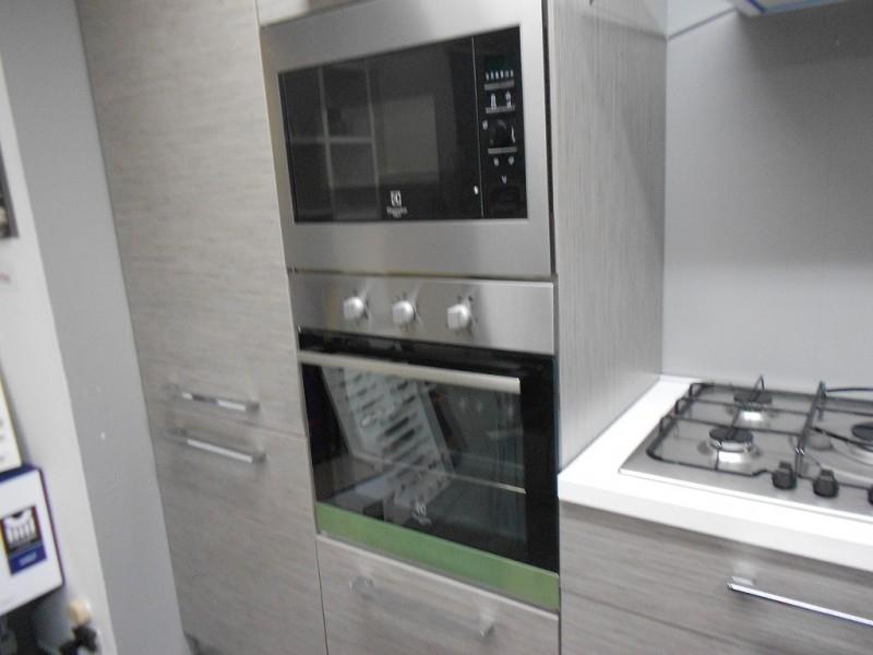 Astra cucine cucina iride scontato del 43 cucine a prezzi scontati - Rex electrolux cucine a gas ...