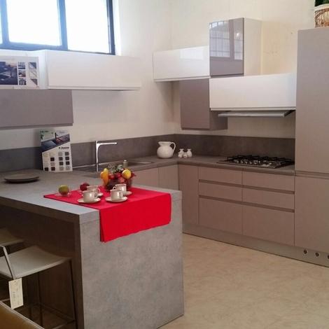 Cucina Astra modello Lina angolare con penisola laccato ...