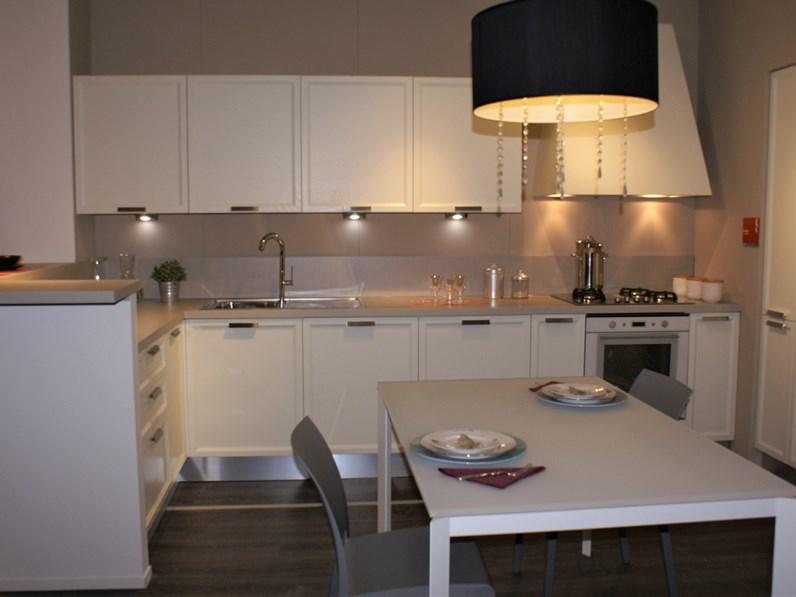 Cucina atelier scavolini con uno sconto del 48 for Antolini arredamenti