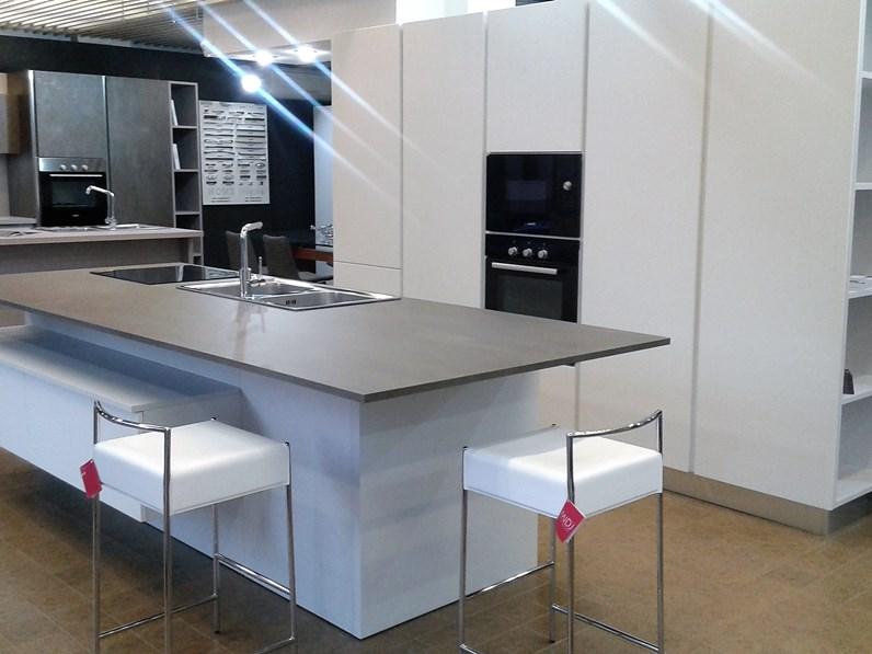 Cucina atra cucina componibile in polimerico opaco bianco scontato del 48 - Cucina bianca opaca ...