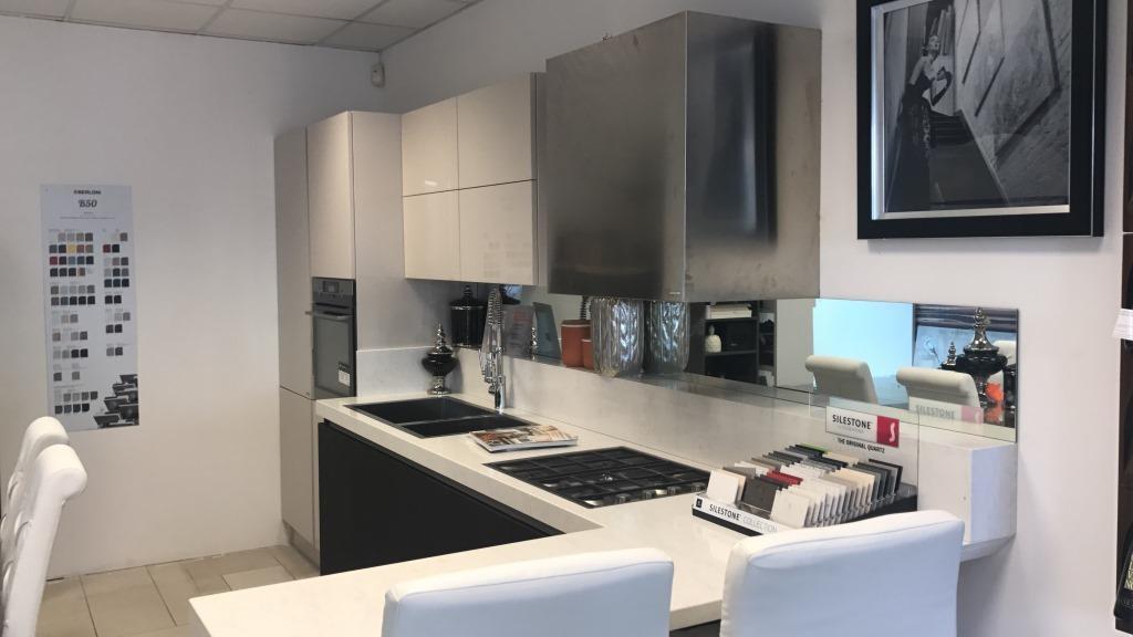 Cucina berloni cucine cucina berloni laccata moderne - Prezzi cucine berloni ...