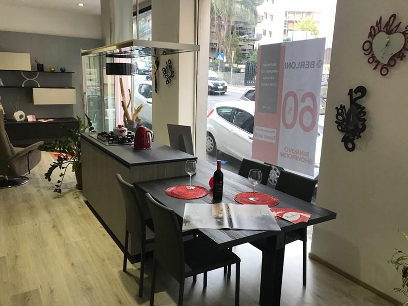 Cucina berloni cucine meeting offerta outlet for Cucine berloni prezzo