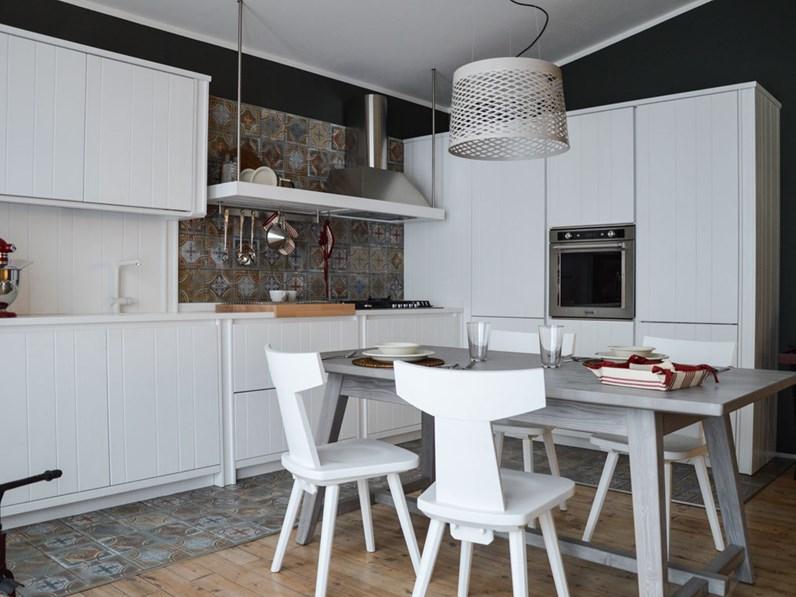 Cucina bianca classica ad angolo Maestrale Scandola in offerta