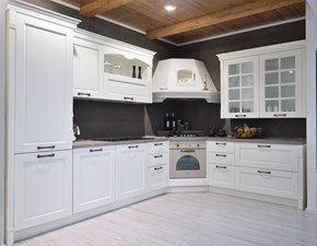 Cucina bianca classica ad angolo Virginia Arredo3