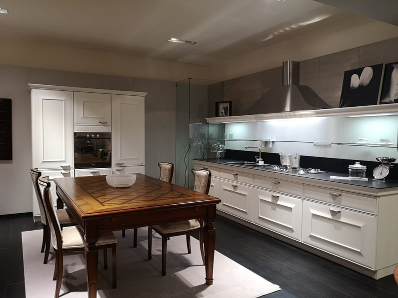 Cucina bianca classica lineare Gioconda Snaidero scontata