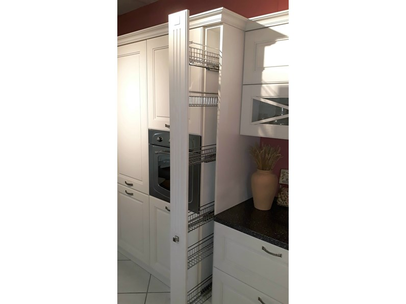 Cucina bianca country ad angolo Agnese Lube cucine in Offerta Outlet