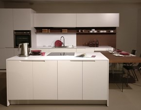 Cucina bianca design ad isola Laccata Maistri cucine