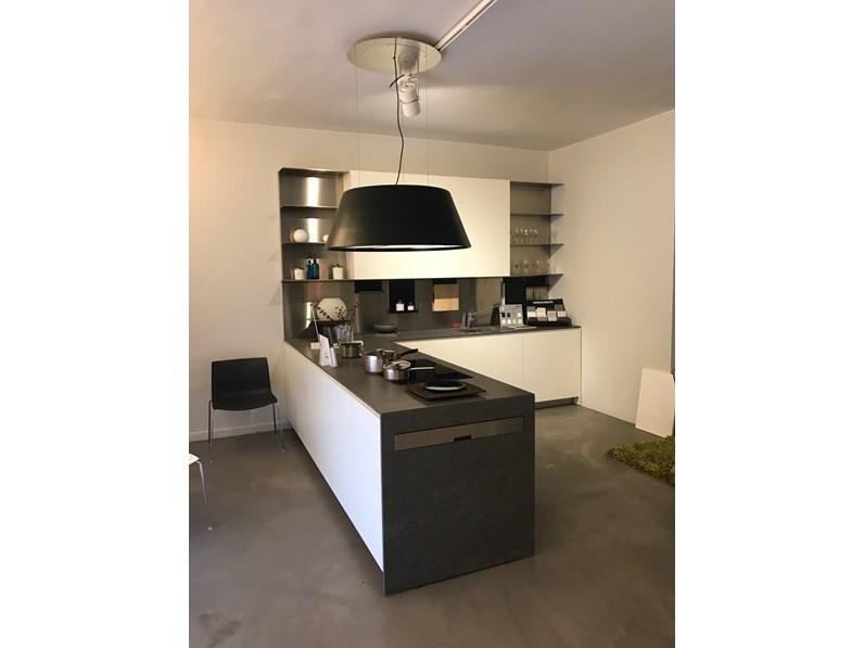 Cucina bianca design con penisola el 01 elmar cucine in offerta outlet - Cucine di design in offerta ...