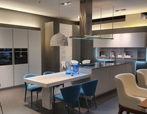 Cucina bianca design lineare Ak04 vetro satinato Arrital in Offerta Outlet