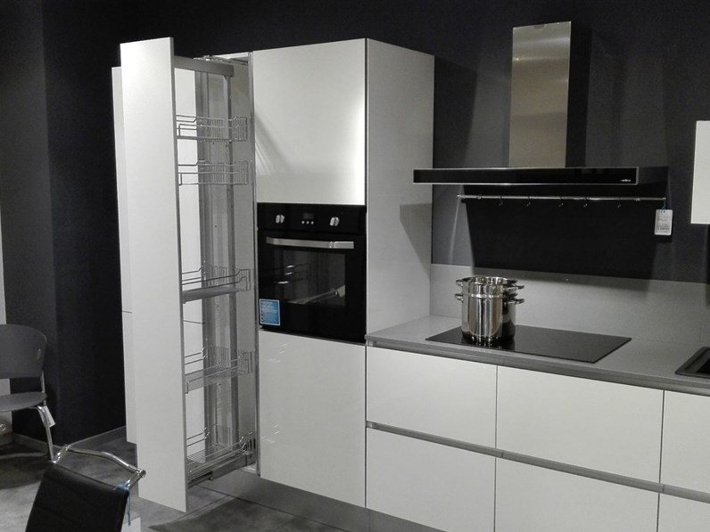 Cucina bianca design lineare Bluse class Forma 2000 in Offerta Outlet
