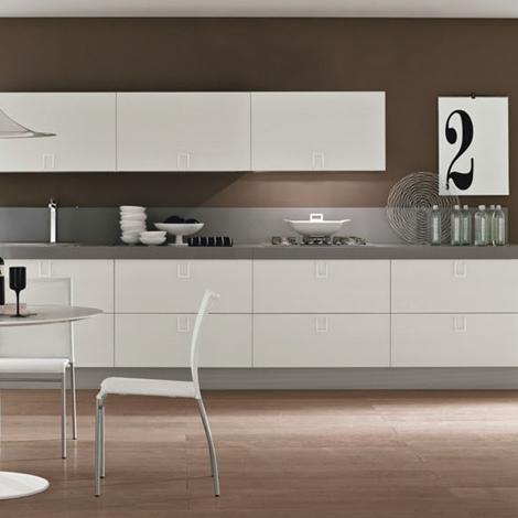 Cucina bianca laccata moderna essential white offerta - Cucina laccata bianca ...