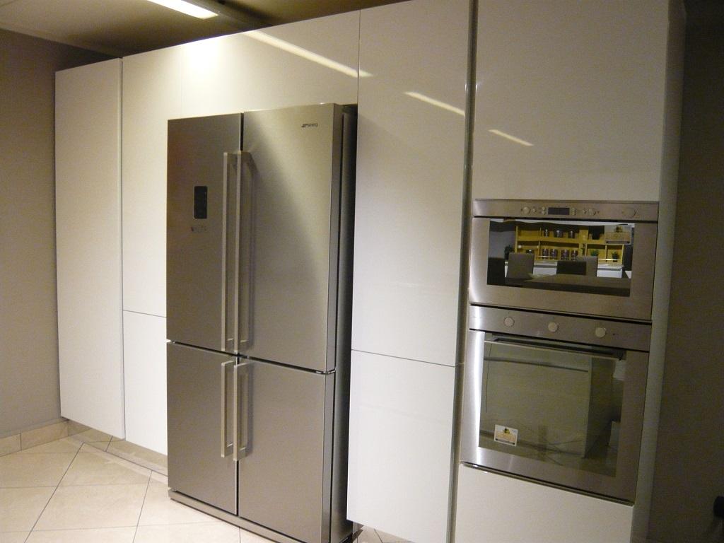 Cucina bianca lucida scontata del 50 cucine a prezzi - Cucine bianche lucide ...