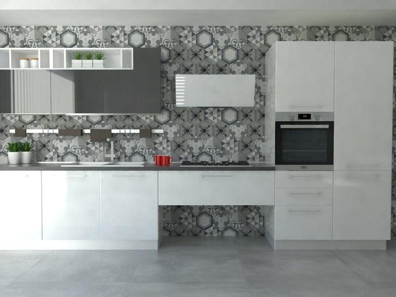 Cucina bianca modello Colibri\' di Forma 2000
