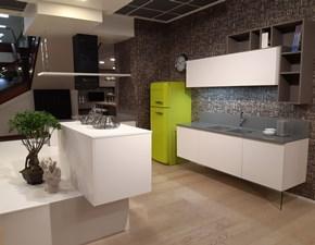 Cucina bianca moderna ad angolo Arcobaleno Arrex in Offerta Outlet