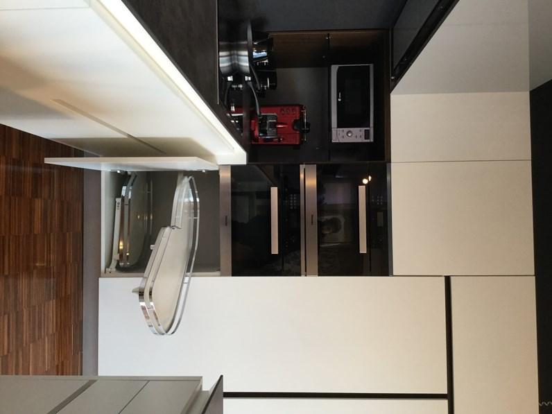 Cucina bianca moderna ad angolo bidue k1 artigianale in for Cucina moderna vezia