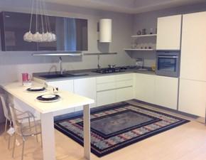 Cucina bianca moderna ad angolo Filo escape Euromobil in Offerta Outlet
