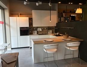 Cucina bianca moderna ad angolo Linea Mesons in offerta