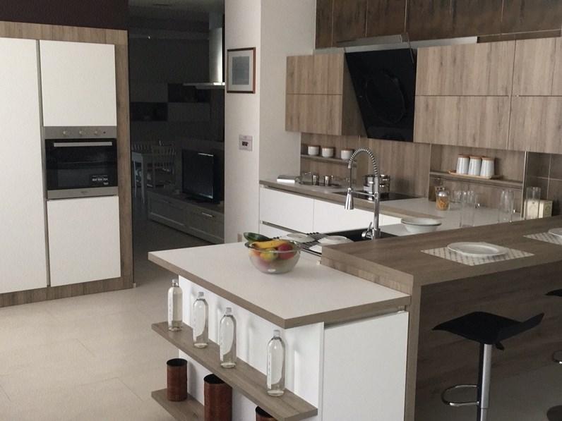 Cucina bianca moderna ad angolo start time j veneta cucine for Cucine moderne ad angolo