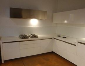 Cucina bianca moderna ad angolo Wall Artigianale in Offerta Outlet