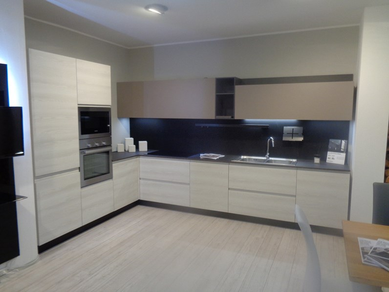 Cucina bianca moderna ad angolo Wega e cloe Arredo3 in offerta
