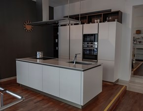 Cucina bianca moderna ad isola Oyster Veneta cucine in Offerta Outlet