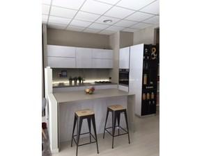 Cucina bianca moderna ad isola Play lab Dibiesse in offerta