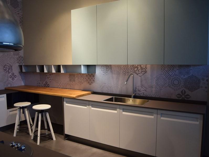 Cucina bianca moderna ad isola rewind replay stosa cucine - Cucina replay stosa ...