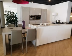Cucina bianca moderna ad isola Viva6 Maistri cucine in Offerta Outlet