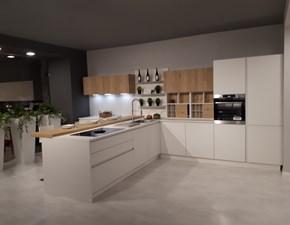 Cucina bianca moderna con penisola Kate Zecchinon in offerta
