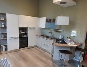 Cucina bianca moderna con penisola Swing Lube cucine