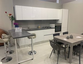Cucina bianca moderna con penisola Tropea Imab group in offerta
