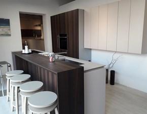 Cucina bianca moderna con penisola Mobiltre in Offerta Outlet