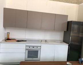 Cucina bianca moderna lineare Cloe Arredo3 scontata