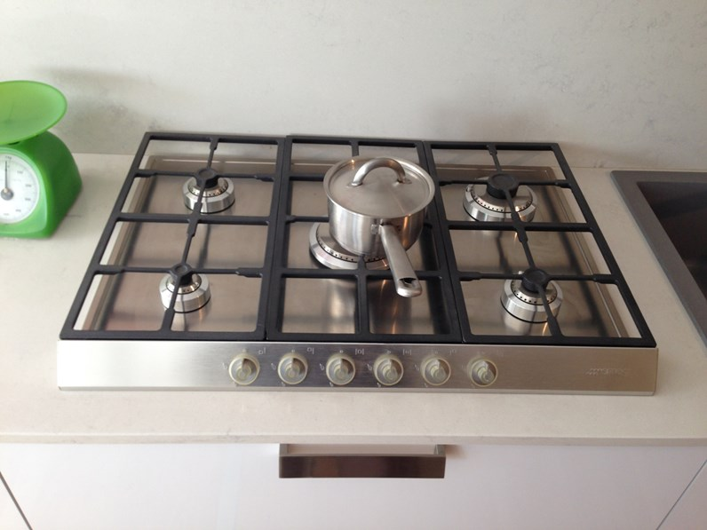 Cucina Bianca Moderna Lineare Lady Zecchinon In Offerta Outlet