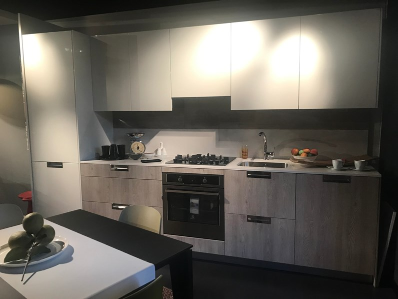 Cucina bianca moderna lineare Lux Snaidero in Offerta Outlet