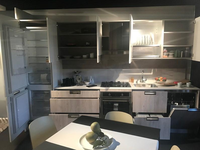 Cucina bianca moderna lineare lux snaidero in offerta outlet - Cucina bianca moderna lineare ...