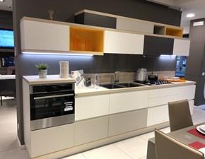 Cucina bianca moderna lineare Modello foodshelf inside  Scavolini in Offerta Outlet