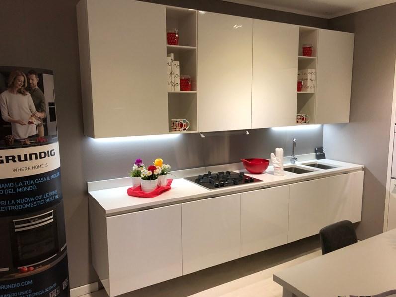 Cucina bianca moderna lineare mood scavolini scontata - Scavolini cucina bianca ...