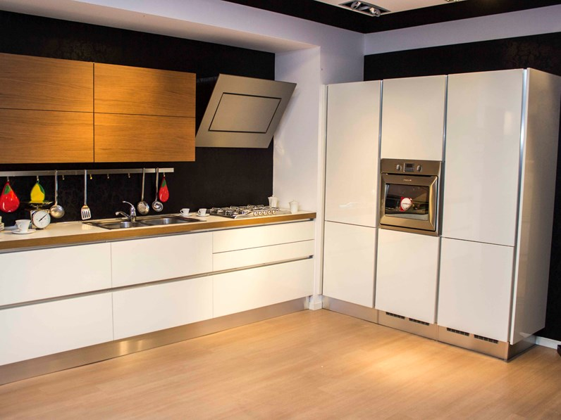 Extra Tonda Veneta Cucine.Cucina Bianca Moderna Lineare Oyster Veneta Cucine Veneta Cucine In Offerta Outlet