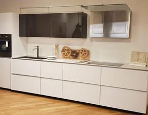 Cucina bianca moderna lineare Riciclantica Valcucine in offerta
