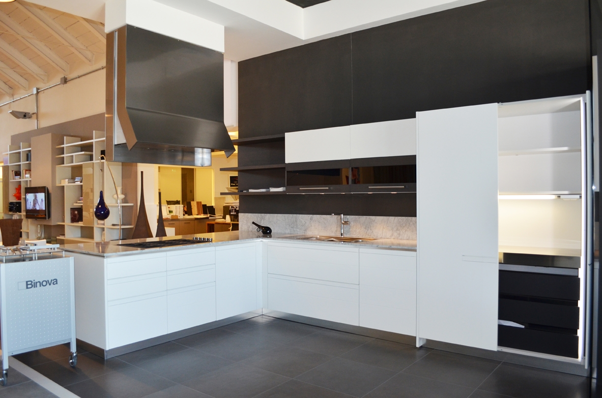 Cucina binova in promozione 17000 cucine a prezzi scontati - Maniglie cucina prezzi ...