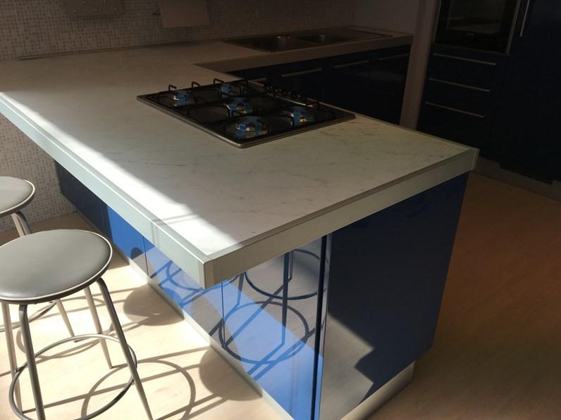 Cucina Blu Moderna.Cucina Blu Moderna Con Penisola Cromatika Di Berloni Cucine