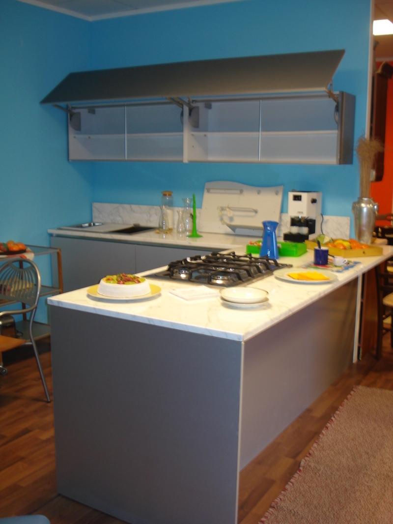 Cucina bontempi mod area ante laminato hpl alluminio e vetro serigrafato cucine a prezzi scontati - Ante in vetro cucina ...