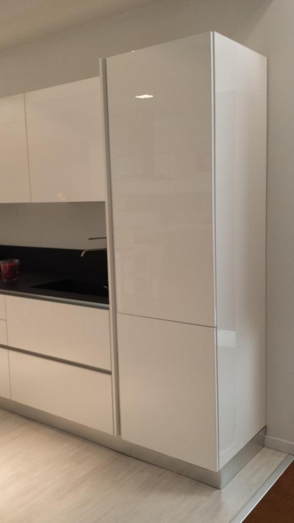 Cucine Lube Modello Brava. Cucina Laccata Nero Lucido Cucina Laccata ...