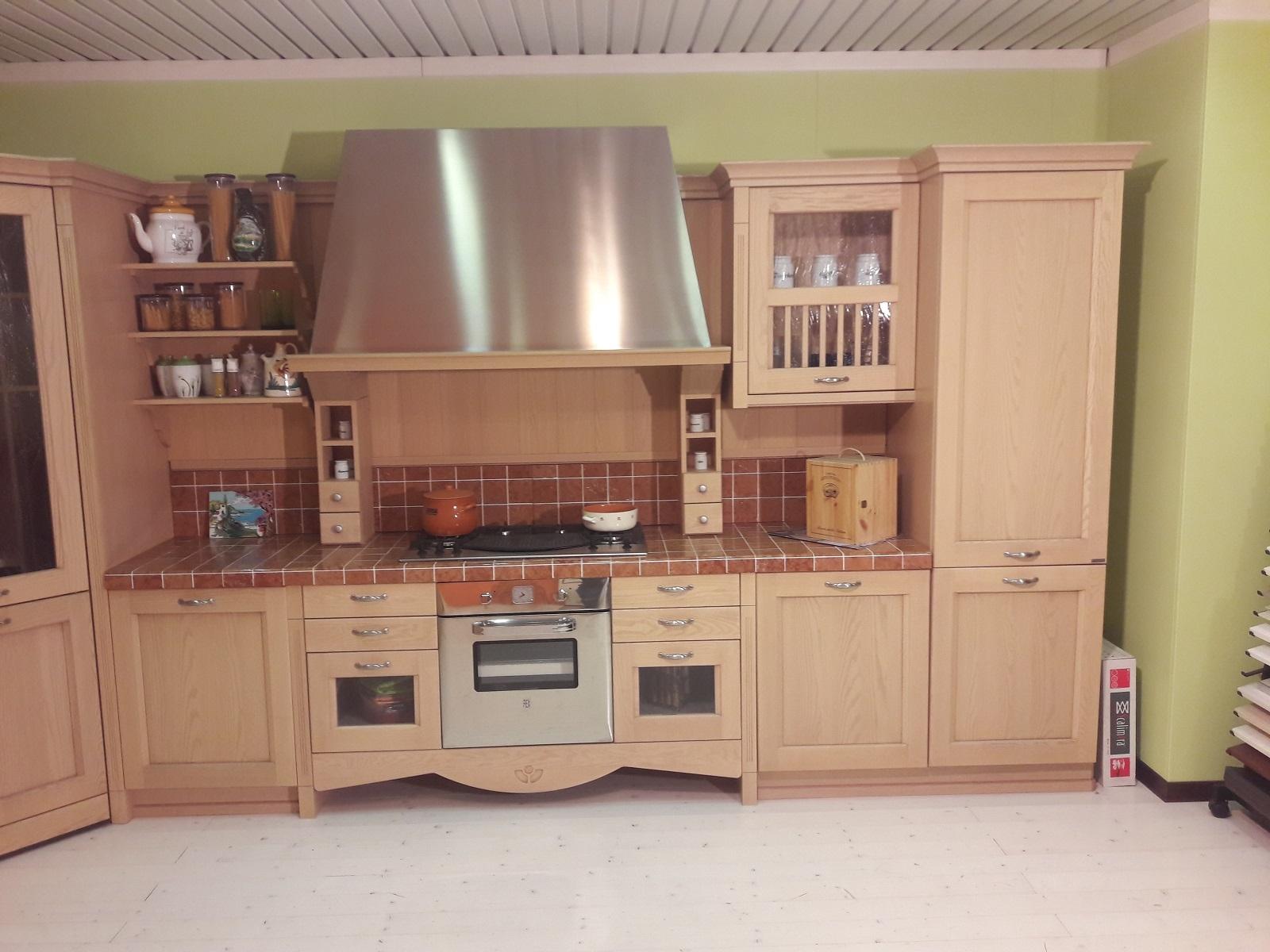 Cucina Angolare Modello Asolo In Stile Classico