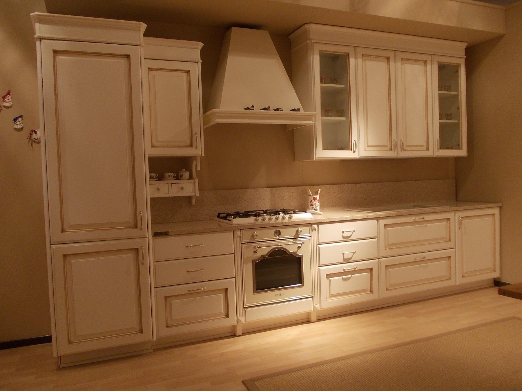 Cucina carma cucine modello iride classica laccate opaco - Forno per cucina componibile ...