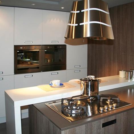 Cucina cesar con penisola piano e schienale in okite 64 - Piano cucina okite ...